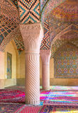 Nasir Al-Mulk Mosque i Shiraz, Iran, också som är bekant som rosa moské royaltyfri foto