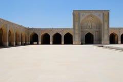 Nasir al-Mulk Mosque, också som är bekant som den rosa moskén, är en traditionell moské i Shiraz royaltyfri fotografi