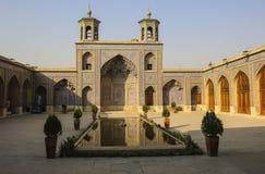 Nasir Al-Mulk Mosque också som är bekant som rosa moské i Shiraz, Iran arkivbild