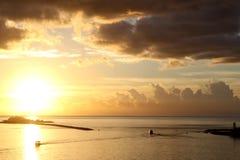 Nassau hamn på solnedgången arkivfoto