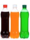 Nasse Flaschen mit Soda stockbilder