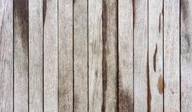 Nasser brauner hölzerner Hintergrund Stockbilder