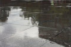 nasser Fliesenboden für Muster Lizenzfreies Stockbild