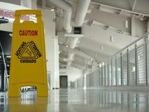 Nasser Fußboden der Achtung Lizenzfreie Stockbilder
