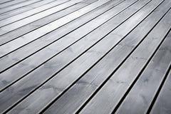 Nasser Terrassenholzfußboden Stockfoto