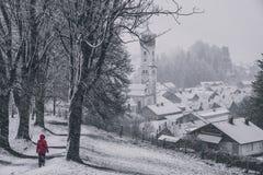 Nasser Wintertag im nesselwang stockfoto