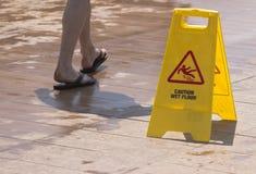 Nasses Fußboden-Zeichen Lizenzfreies Stockbild