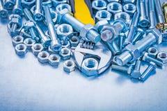 Nastawczy kluczowi nierdzewni rygli szczegóły dalej, dokrętki i Zdjęcie Stock