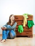 Nastolatek dziewczyny portret w domu Zdjęcia Stock