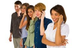 Nastolatkowie z smartphone zdjęcie stock