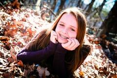 nastoletni śliczny szczęśliwy outdoors fotografia royalty free
