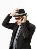 Nastoletni chłopak pozuje jak gwardzista z radiowym nadajnikiem zdjęcie stock