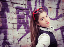 nastoletni dziewczyna hełmofony fotografia stock
