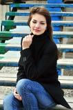 nastoletni dziewczyna schodki obrazy stock
