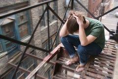 nastoletni miejskiego męski zdenerwowany Obraz Royalty Free