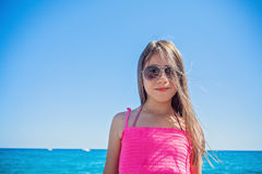 Nastoletni pozować na plaży Obrazy Royalty Free