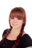 Nastoletnia dziewczyna ubierał w czerni z przebijaniem w nosie obraz stock