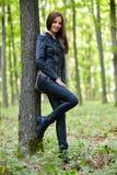Nastoletnia dziewczyna w lesie Zdjęcia Stock