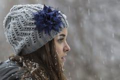 Nastoletnia dziewczyna w śniegu Obrazy Royalty Free