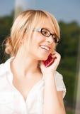 Nastoletnia dziewczyna z telefonu komórkowego dzwonić Obrazy Stock