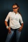 nastoletnia dziewczyny afrykańska pozycja fotografia stock
