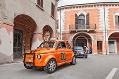 Nastrajający rocznik samochodowy Fiat 500 Fotografia Royalty Free