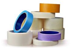 Nastro adesivo in assortimento, fondo bianco Immagine Stock