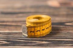 Nastro di misurazione curvo Fotografie Stock