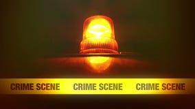 Nastro giallo della fascia della scena del crimine e luce infiammante e di giro arancio Nastro della polizia di scena di omicidio stock footage