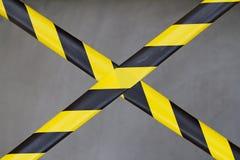 Nastro nero e giallo della barriera Immagini Stock Libere da Diritti