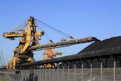 Nastro trasportatore del carbone Fotografie Stock Libere da Diritti