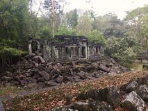 Nastroszona biblioteka w Beng Mealea Angkor świątyni, Kambodża zdjęcia royalty free