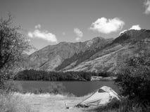 Nasz obóz przy Moke jeziorem, Południowa wyspa - Nowa Zelandia obrazy stock
