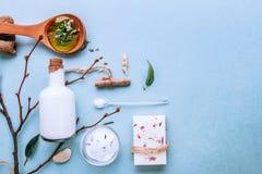 Natürliche BADEKURORT-Seife von der Ziegenmilch Handgemachte, organische Seife, Körperpflege flatlay stockfotografie