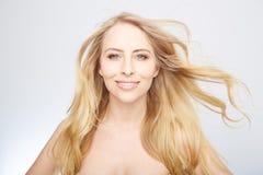 Natürliche blonde Schönheit Lizenzfreie Stockfotos