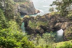 Natürliche Brücken-Bucht, Oregon Stockfotos