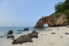 Natürliche Felsenbrücke, Lipe-Insel Lizenzfreie Stockfotos