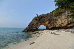 Natürliche Felsenbrücke, Lipe-Insel Lizenzfreies Stockfoto