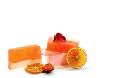 Natürliche handgemachte Seife und Orange Lizenzfreie Stockfotos