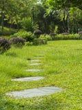 Natürliche Landschaftsgestaltung im Park Stockfoto