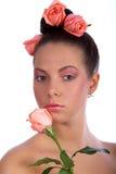 Natürliche Schönheit - Rosen und Frau Stockbilder