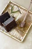natürliche Seife mit Kräutern Stockfotografie