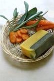 natürliche Seife mit Kräutern Stockbild