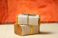 Natürliche Seifen auf einer Bambusmatte stockfoto