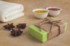 Natürliche selbst gemachte olivgrüne Seife Lizenzfreies Stockfoto