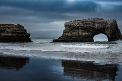 Natürlicher Brücken-Zustand-Strand Lizenzfreies Stockfoto