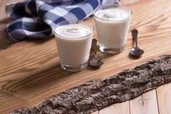 Natürlicher Jogurt Stockbilder