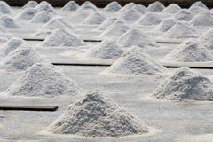 Natürlicher Salzstapel im Ackerland Lizenzfreie Stockfotos