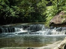 Natürlicher schöner Wasserfalllebensstil in Sisaket Thailand Lizenzfreies Stockfoto