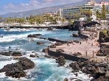 Natürlicher Swimmingpool, Lavalandschaft in Puerto de la Cruz stockfotografie